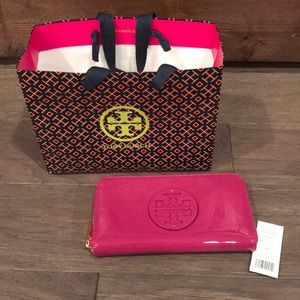 NEW Tory Burch Pink Continental Wallet